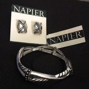 Napier Bracelet + Free Pair of Earrings